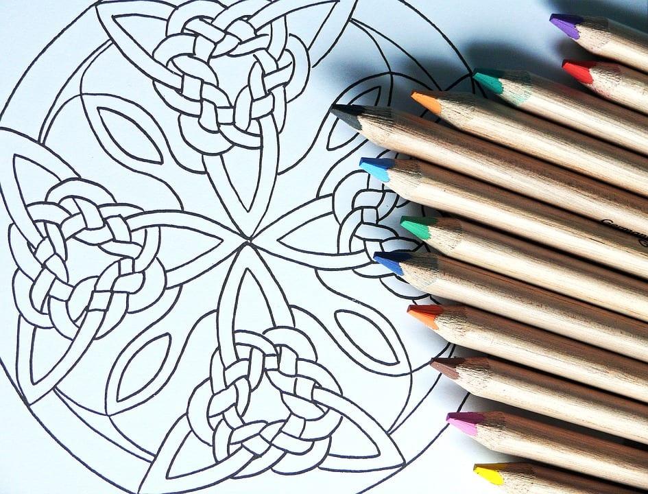Mandalas: Guía Fácil con Imágenes para Colorear, Pintar, Tejer y Crear 15